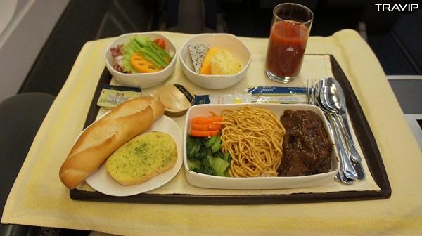 Món ăn phục vụ cho khách thương gia Vietnam Airlines