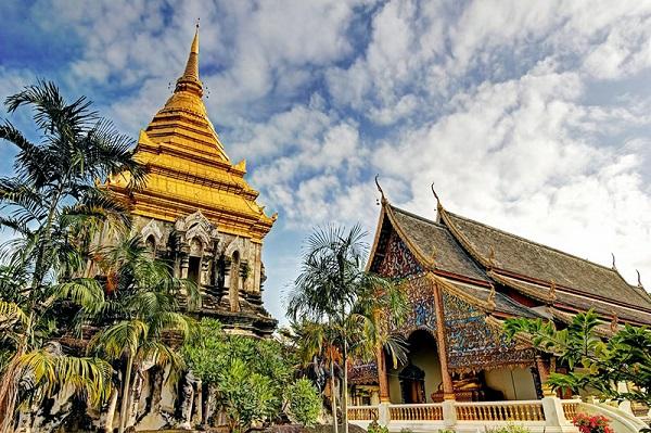 Đặt vé máy bay đi Luang Prabang khám phá Chùa Wat Mai