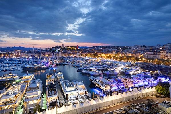 Vé Máy Bay Đi Marseille, Pháp