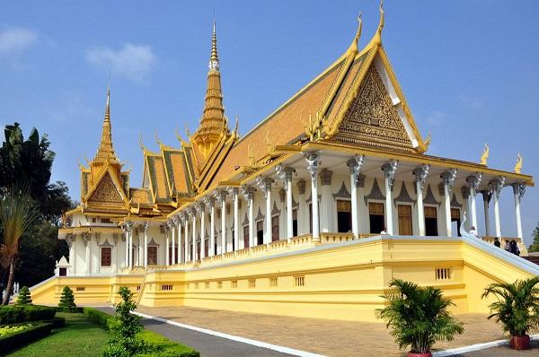 Đặt vé máy bay đi Phnom Penh khám phá cung điện Hoàng Gia Campuchia