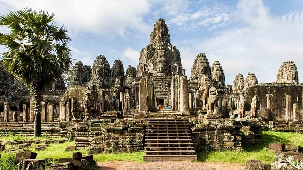 Đặt vé máy bay đi Campuchia khám phá Angkor Wat