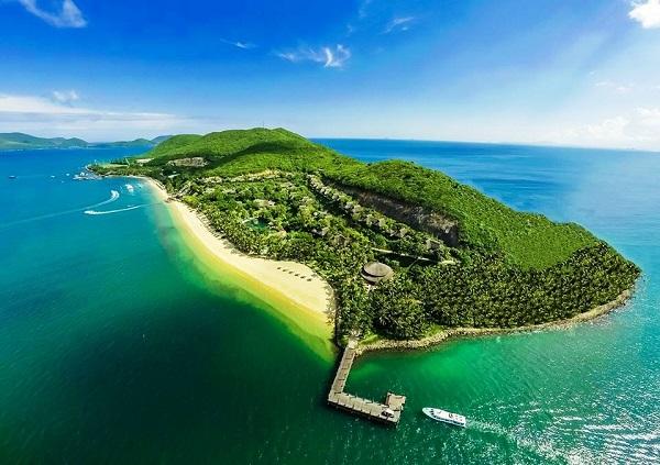 Đặt vé máy bay đi Nha Trang khám phá đảo Hòn Mun