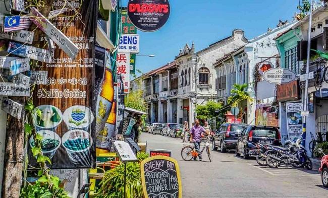 Đặt mua vé máy bay đi Malaysia giá rẻ Vietnam Airlines